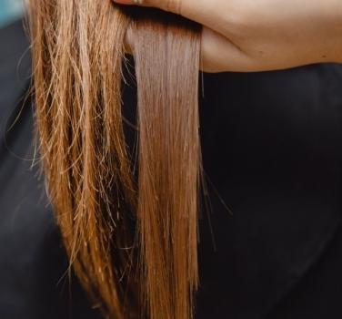 Por qué se rompe el pelo y qué hacer para evitarlo